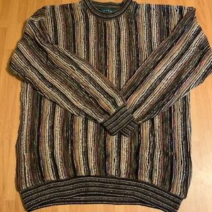 Tundra Canada Sweater Large